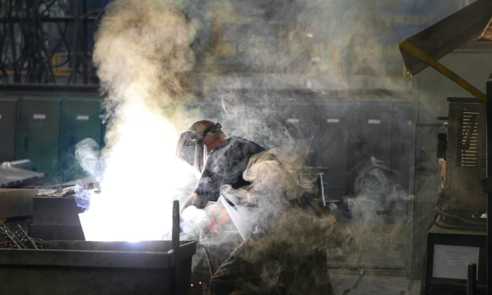 person-welding-thumbnail